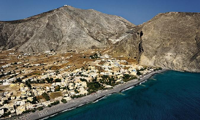 "GREEK ISLANDS"" – This Sunday the first volume of ""Santorini ..."