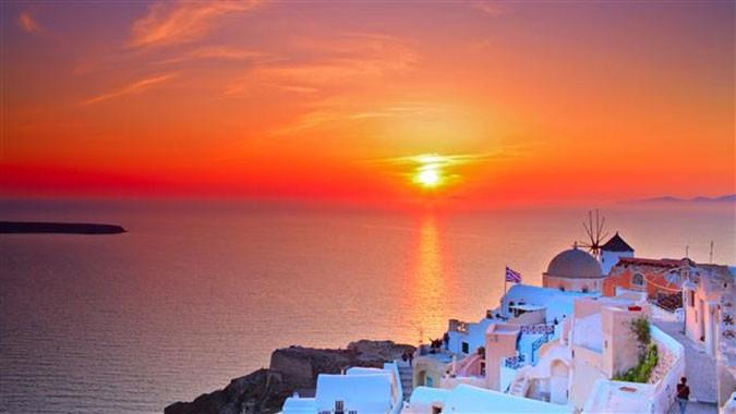 National Geographic Top 10 Summer Sunsets And Yes Santorini Is