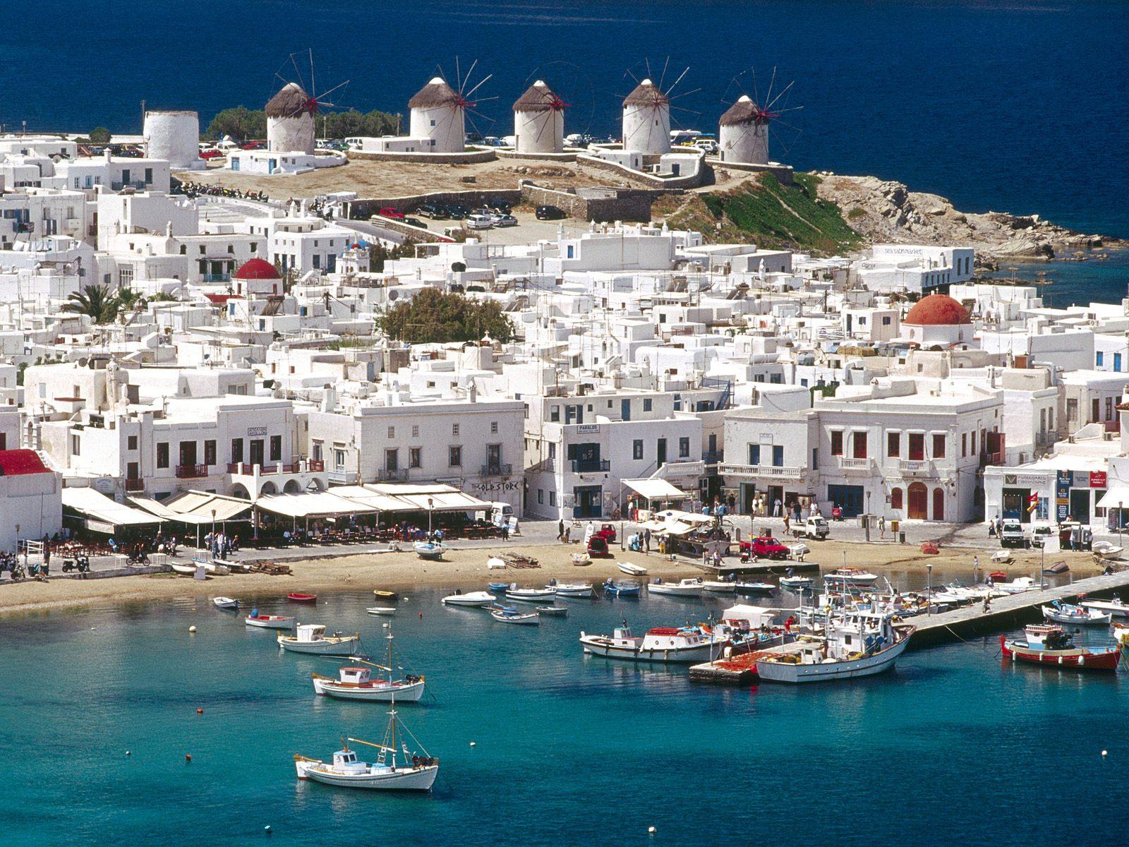 Celebrities Choose Mykonos As One Of Their Favorite