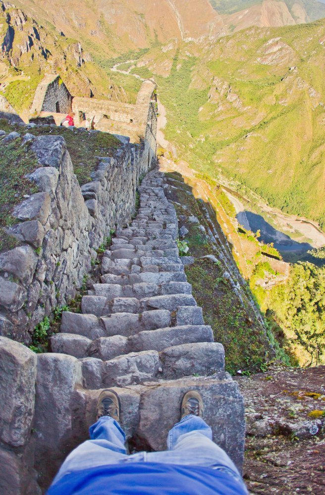 The 10 Scariest Staircases In The Word See Photos