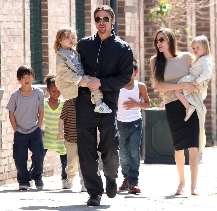 Brangelina breaksup! Angelina Jolie files for divorce