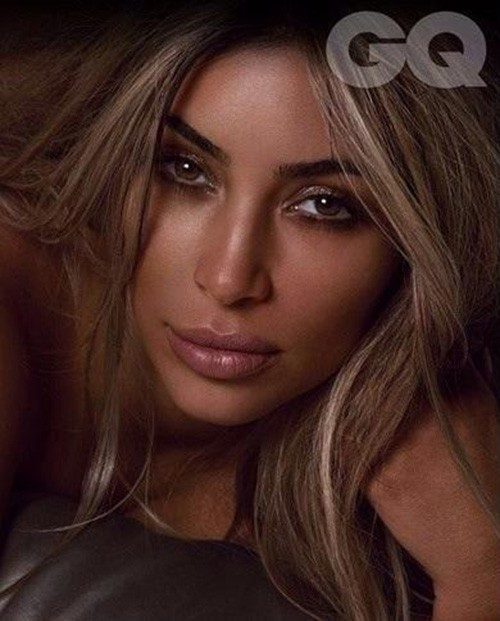 Naked Kim Kardashian Caresses Her Boobs for British GQ