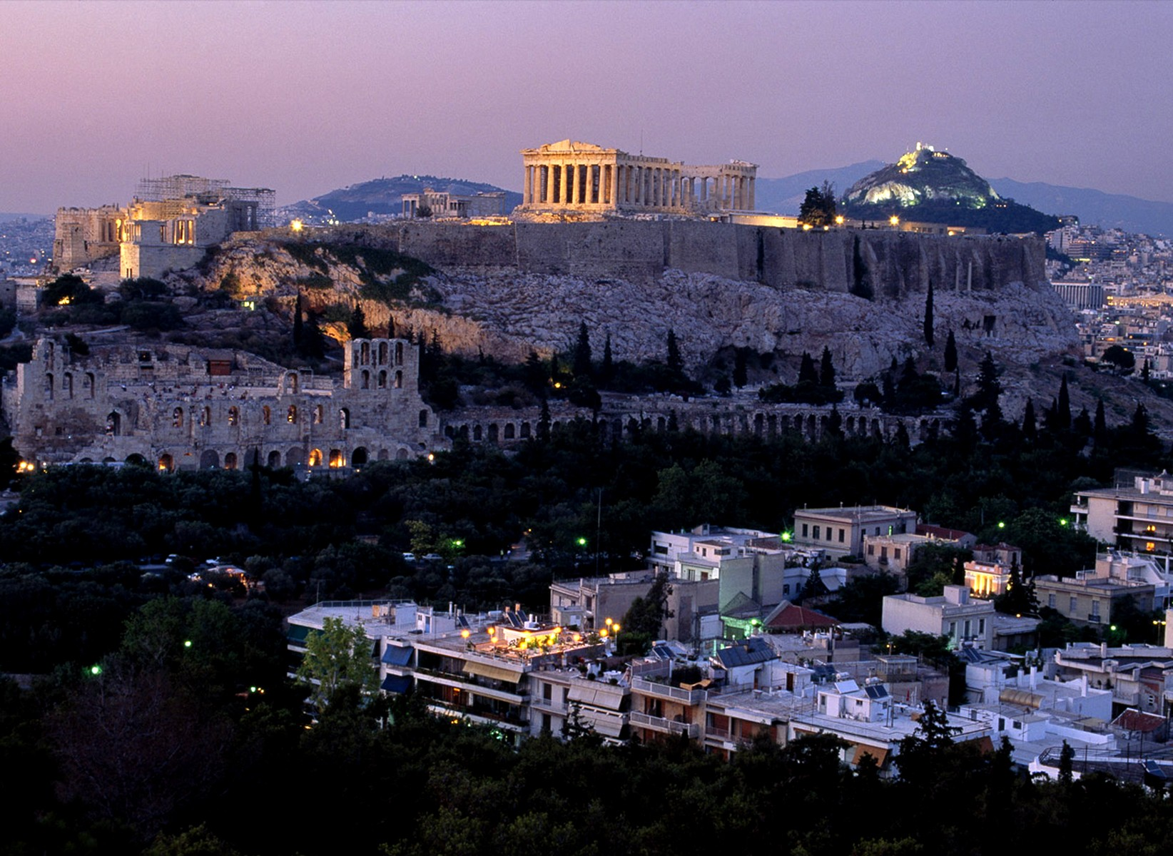 Could the Acropolis be crumbling? (watch video ...
