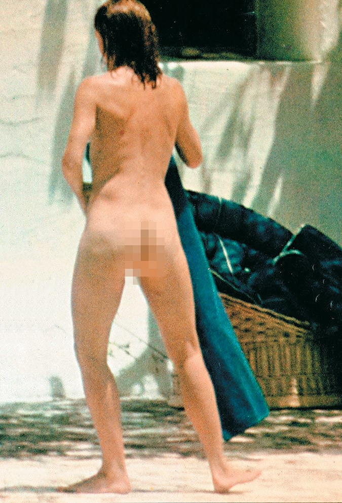 Jacqueline kennedy onassis nude photo