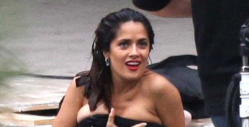 Selma hayek tits nipple — img 3