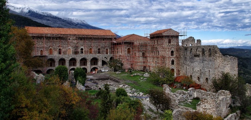Mystras: A tower town straight out of a fairy tale ...