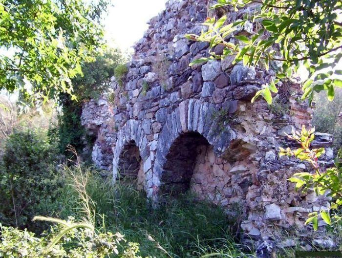 bargylia-bargilya-antik-kenti-kalintilari-gelarabul