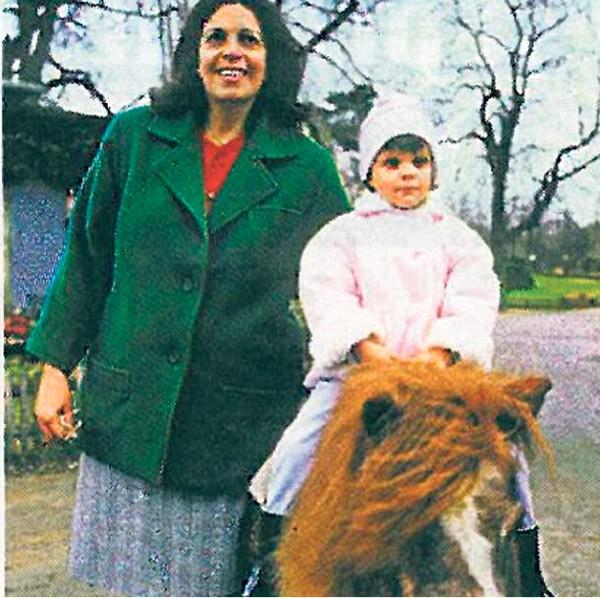 Athina Onassis receives an 800-million-dollar 'birthday gift