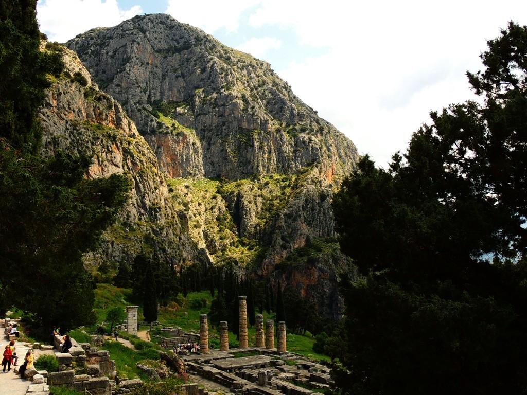 The sacred mountains of Greek mythology  protothemanews.com