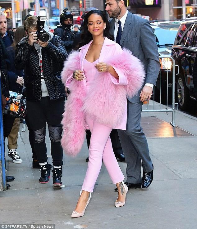 Rihanna Honors The Barbie Look Protothemanews Com