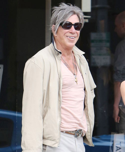Mickey Rourke Wears A New Face Protothemanews Com