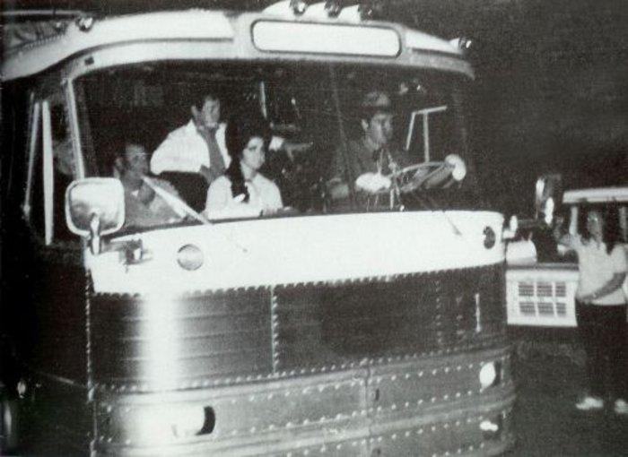 Elvis Presley's tour bus sold for 268,000 USD ...