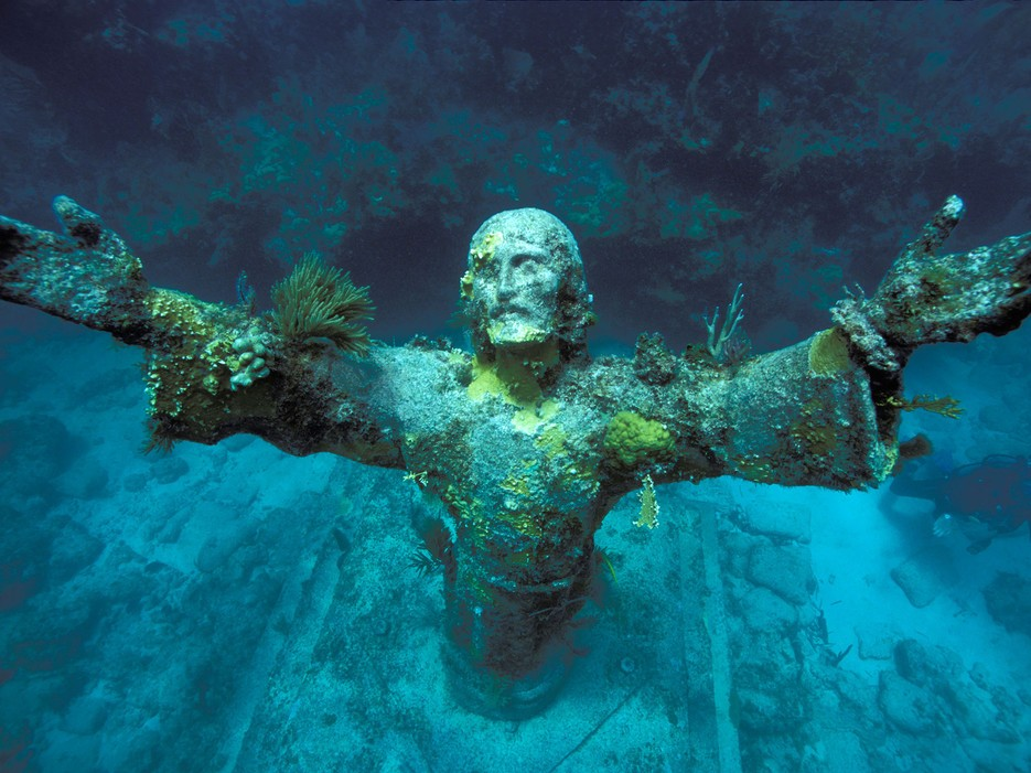 Conde Nast Traveler 10 Amazing Underwater Sites Stunning Photos Protothemanews Com