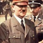 """Televíziós műsorok A század háborúja Adolf Hitler a keleti fronton 1941-ben Az új BBC TWO sorozat """"A század háborúja"""" a mikroszkóp alatt állítja a csatát a nácizmus és a sztálinizmus között.  Több mint két éve a sorozatban a sorozat nem publikált dokumentumfilmeket tár fel, amelyek számos feltételezést támasztanak azzal kapcsolatban, hogy miért Hitler elhatározta, hogy behatol Oroszországba és a szovjet választ a német agresszióra.  A sorozatot Laurence Rees írták és készítették el, a BAFTA díjnyertes 1997-es """"The Nazis - A Warning From History"""" sorozat után.  FIGYELEM: Ez a BBC / AKG London szerzői jogi kép kizárólag a jelenlegi BBC program nyilvánosságra hozatalára használható.  Bármely más felhasználás a BBC előzetes jóváhagyása nélkül jogi lépéseket eredményezhet."""