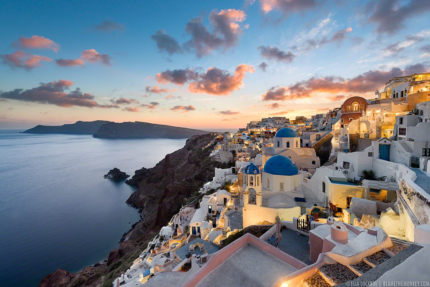 An astoundingly beautiful sunset in Oia Santorini, one of the most beautiful places on Earth.