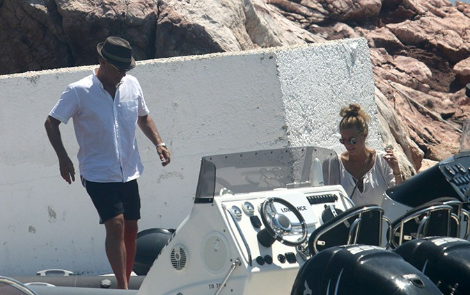 Tom Hanks Rita Wilson Again Enjoy Antiparos Holiday Protothemanews Com