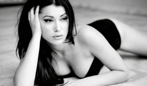 Sexy Greek actress Klelia Renesi fully naked in Manu Chao