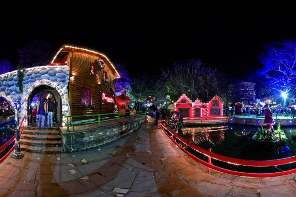 10 Christmas Villages From Around Greece Pics