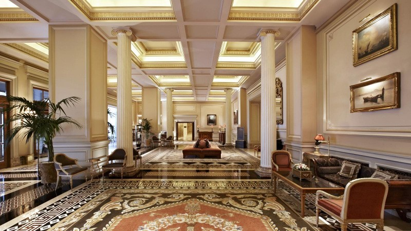 Grande bretagne hotel among world s most elegant hotels for Elegant hotels of the world