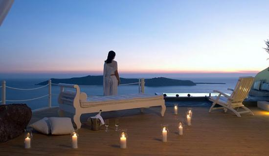 Two greek hotels among top 10 romantic resorts in the for Best romantic hotels in the world