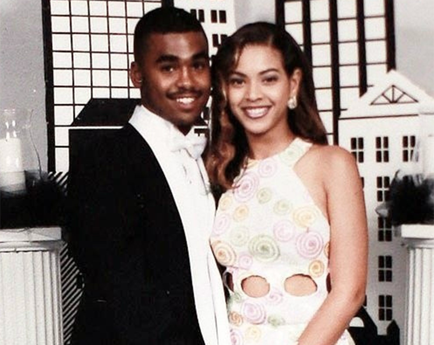 Girl gives birth to own prom date in Melbourne