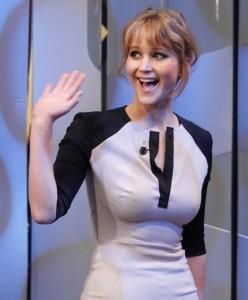 Celebrities that 'hate' bras (photos)