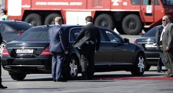 Putin's 'beast' armoured car! (photos+video ...