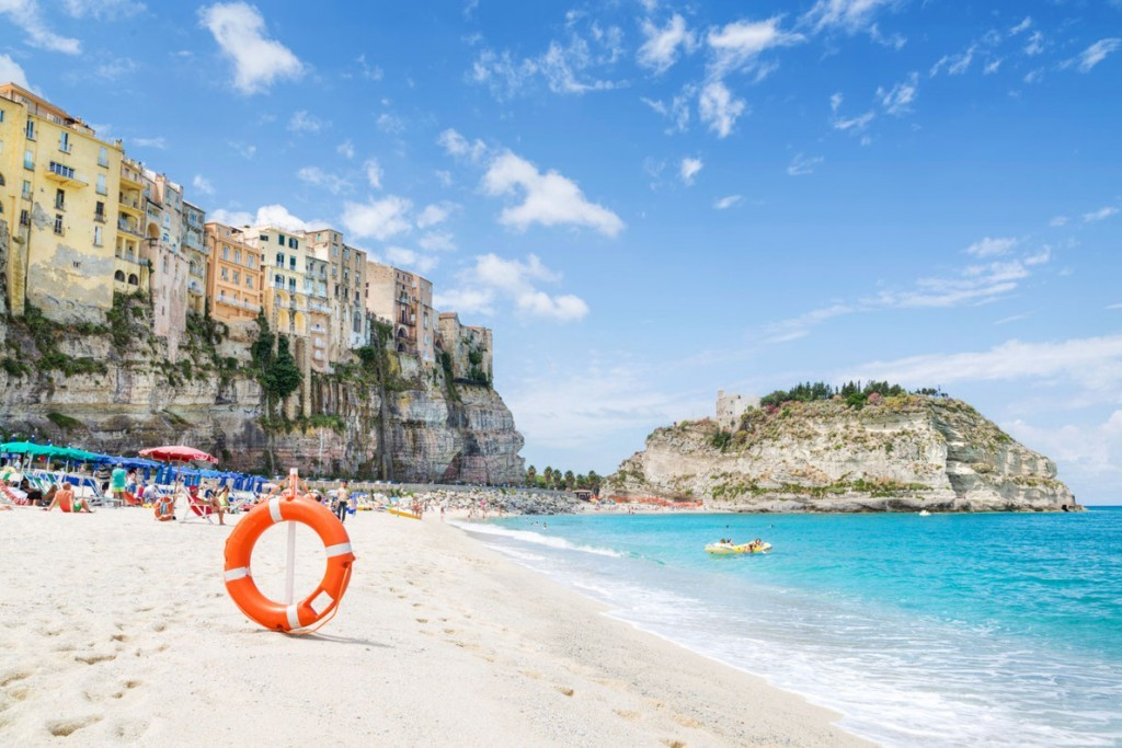 best-beach-in-europe-santa-maria-dell-isola-copyright-kavalenkau-european-best-destinations