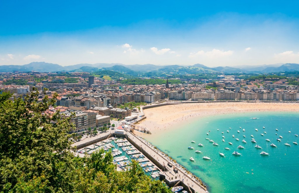 best-beaches-in-europe-san-sebastian-copyright-alexander-demyanenko-european-best-destinations