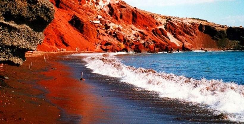 Tripadvisor Santorini Has One Of The Best Black Sand Beaches