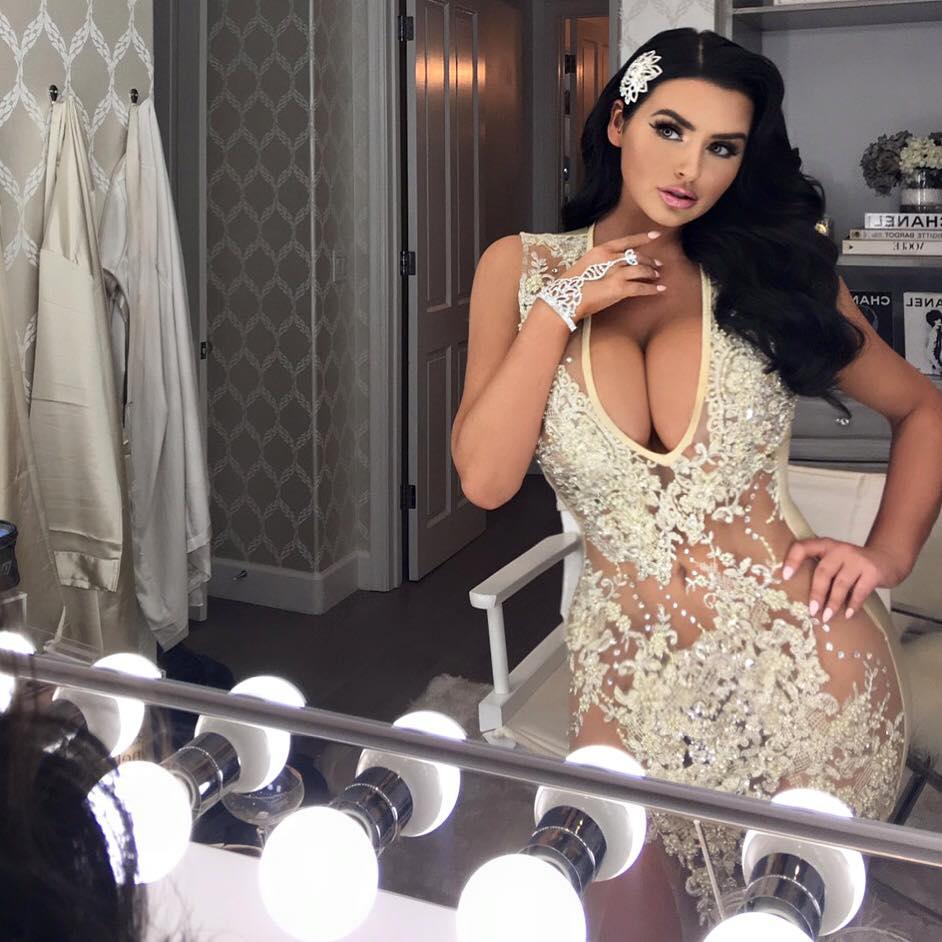 Sexy Pornstar Katarina Isis Up Close And Personal