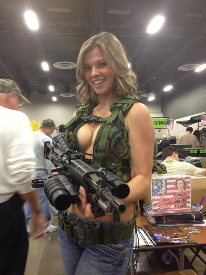 Hot Girls With Guns