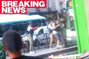 Armed-police-in-Paris-618550