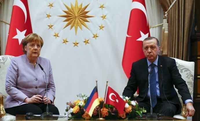 Turkish President Recep Tayyip Erdogan and German Chancellor Angela Merkel meet at the presidential palace during the first visit since July's failed coup in Ankara, Turkey, February 2, 2017.      REUTERS/Umit Bektas