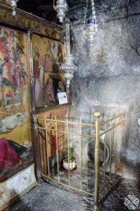 Apokalipsi-Cave-Patmos-4-679x1024