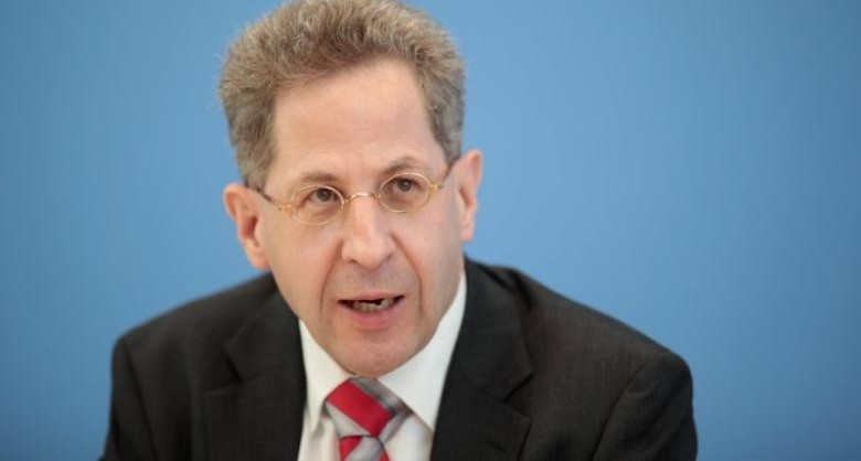 Hans-Georg Maassen, head of the German Federal Office for the Protection of the Constitution (Bundesamt fuer Verfassungsschutz) addresses a news conference to introduce the agency's 2016 report on militant threats to the constitution in Berlin, Germany, July 4, 2017.     REUTERS/Axel Schmidt