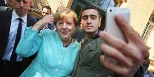 Merkel-refugee-TW