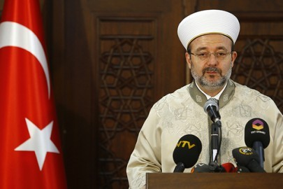 Mehmet Gormez, head of Turkey's Religious Affairs Directorate, addresses the media in Ankara January 8, 2015. REUTERS/Umit Bektas (TURKEY - Tags: POLITICS RELIGION) - RTR4KMRF