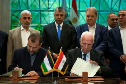 Fatah-and-Hamas-sign-agreement-800x450