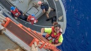 navy-rescue-05-ht-jef-171026_16x9_608