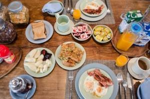 Breakfast-at-Villa-Hurmuses-1-1024x678