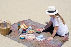 Perfect-picnic-on-Mykonos-5-1024x678