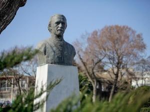 andronikos-statue-thessaloniki