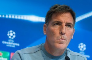epa06340314 Sevilla FC's head coach, Eduardo Berizzo,  attends a press conference following a training session at the Sanchez Pizjuan stadium in Seville, Spain, 20 November 2017. Sevilla FC will face Liverpool FC in an UEFA Champions League group stage soccer match on 21 November.  EPA/RAUL CARO