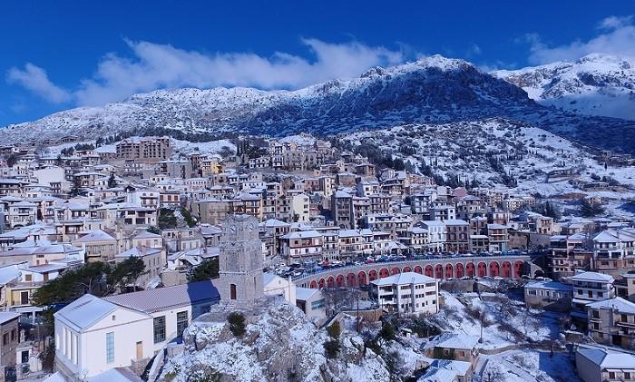 Cosmopolitan Arachova The Winter Mykonos Of Greece Protothemanews Com