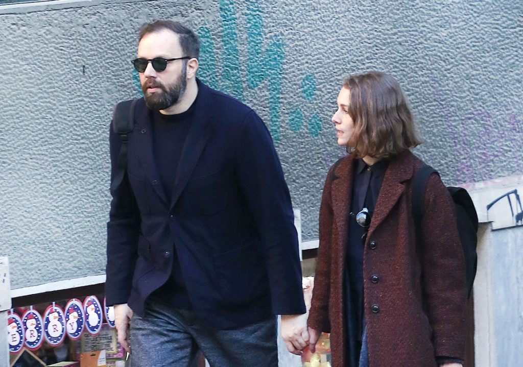 Yorgos Lanthimos and wife spotted in Athens (photos)   protothemanews.com
