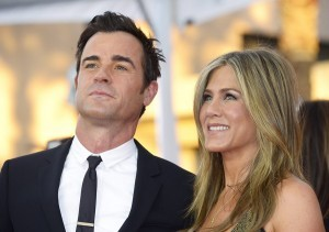 epa04874937 (FILE) A file picture dated 25 January 2015 of US actors Jennifer Aniston (R) and Justin Theroux (L) arriving for the 21st annual Screen Actors Guild Awards ceremony at the Shrine Auditorium in Los Angeles, California, USA. According to media reports, the couple married in a private wedding ceremony at their Los Angeles home on 05 August 2015.  EPA/PAUL BUCK *** Local Caption *** 51762665