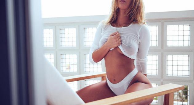 Niykee heaton nude boobs