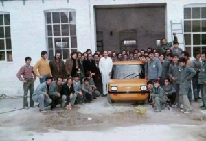 Picture-3-the-first-Enfield-E8000-rolls-off-the-factory-in-Syros-2-768x527
