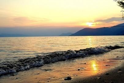 beach-2647749__340-1068x577